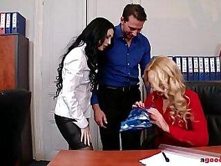 Teen lesbians Ivana Sugar & Isabella Clark share big ass cock in butt fucking action